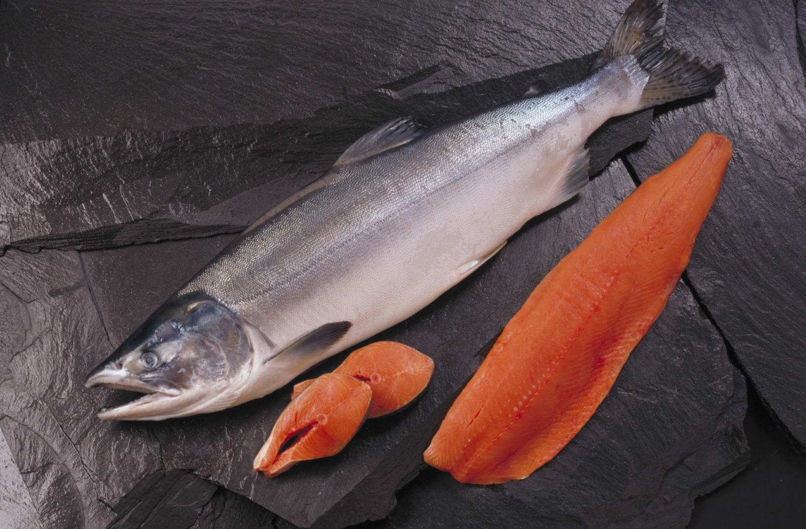 El salmón de Alaska es un pescado sostenible y saludable | Día ...